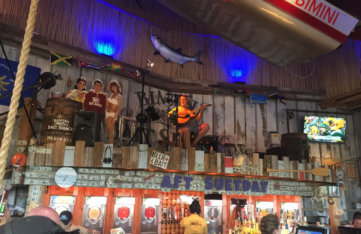 Bimini-Bai-shack-nightime-singer-lee James2