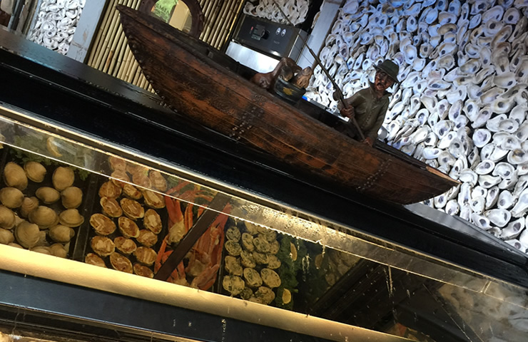Bimini-Bait-shack-shucking-station