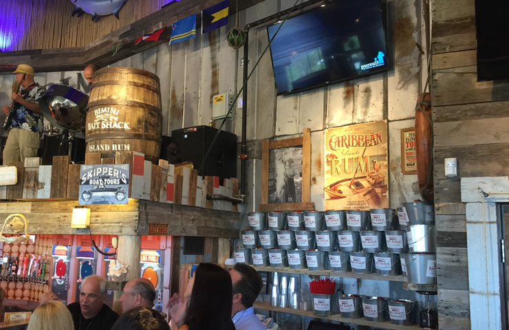Bimini-casual-waterfront-dining-music2