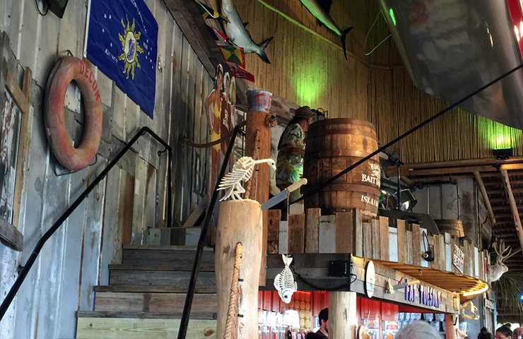 Bimini-casual-waterfront-dining