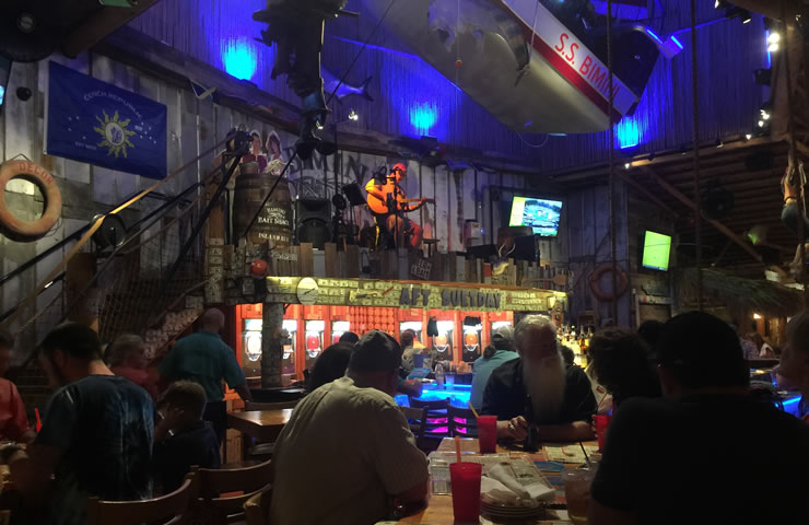Bimini-friends-party-time